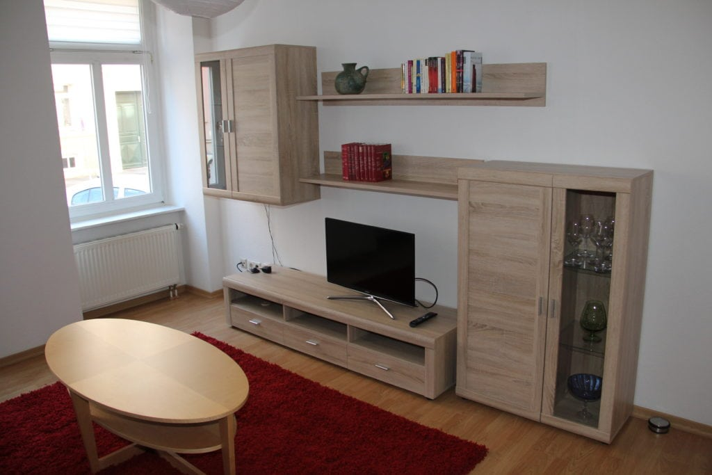 Ferienwohnung in Leipzig Wohnzimmer TV