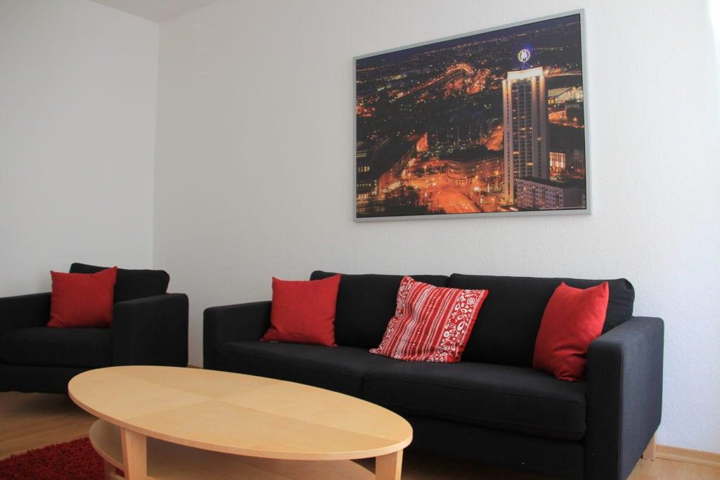 Ferienwohnung in Leipzig Wohnzimmer Sofa