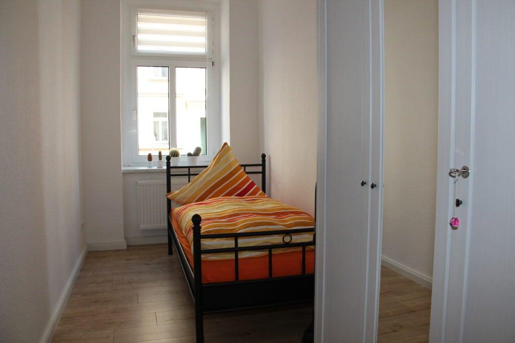 Ferienwohnung in Leipzig Schlafzimmer klein